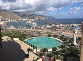 A picture of the hotel: Apartamento vistas mar centro Santa Cruz