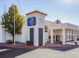 Hotel photo: Motel 6 Santa Fe Central