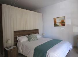 Foto di Hotel: Santa Venera Studio Apartment