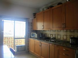 Hotel photo: NEW -Traditional well located apartment with view