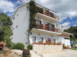 Hotel photo: Apartment Milna 8795b