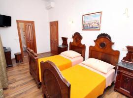 Hotel photo: Twin Room Trogir 2979p