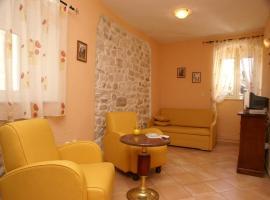 Hotel photo: Triple Room Trogir 2979b