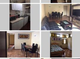 A picture of the hotel: Amplio departamento con estacionamiento