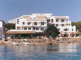 Hotel photo: Apartamentos Playa Es Cana