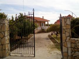 Hotel Photo: House near Spasmata beach