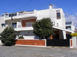 A picture of the hotel: Lavra Beach House