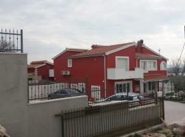 Hotel photo: Apartment Kastel Sucurac 15115a