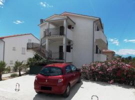 Hotel photo: Apartments Sladić