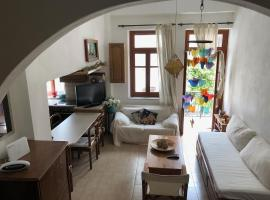 Hotel photo: Katerina's Home - Paros old town house