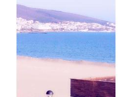 Hotel photo: Апартамент с изглед към морето