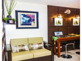 Hotel photo: 1 BR Condo unit @ Ridgewood Towers near Venice Grand Canal & Bonifacio Global City