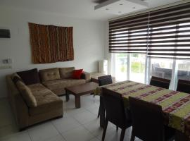 Hotel photo: Elegant Residence 4 Bedroom Duplex