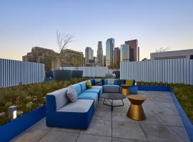 A picture of the hotel: 2BR/2BA Designer Suite in Downtown LA
