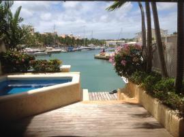 Hotel photo: Holiday Home at 163 Port St. Charles Marina