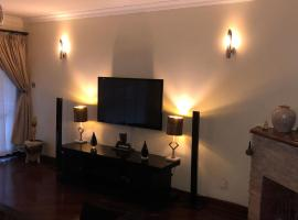 Hotel photo: Nairobi, Upper Hill 4 Bedroom Apt *Bayhill Gardens*