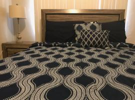 Hotel Photo: 1 BEDROOM / 1 BATH . PRIVATE APT. FREE WIFI, INTERENT & PARKING