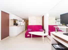 Hotel photo: Aquamarine Apartment (basement)
