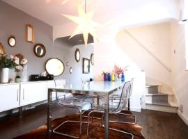 Hotel Photo: Stylish Modern Cottage in Central Southsea, Portsmouth