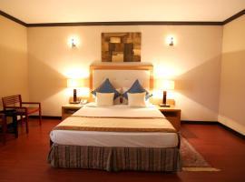 ホテル写真: London Crown Hotel