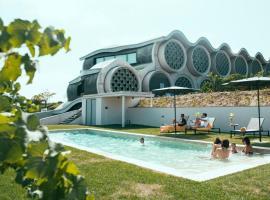 Hotel photo: Cava & Hotel Mastinell