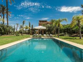 Hotel photo: Villa YENMOZ en exclusivité avec piscine privée dans la Palmeraie