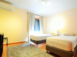Zdjęcie hotelu: Hostel DP - Suites & Apartments VFXira