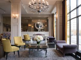 Hotel photo: The Roehampton Hotel