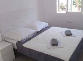"Hotel photo: Apartamento ""Pedro"" 400m de la playa"