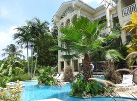 Hotel photo: Flamboyant Suite By The Caribbean Sea!