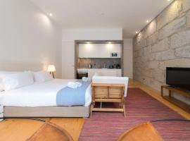 Hotel photo: Rico's Apartment - Almada 2º F