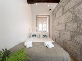 Hotel photo: Dirk Apartment - Almada 3º T