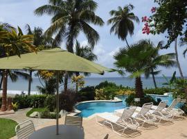 Hotel photo: Mahi Mahi Deluxe Condo By The Caribbean Sea