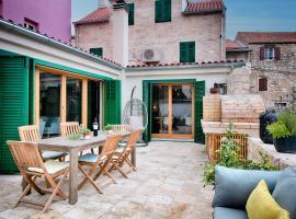 Hotel photo: Stone Villa Lemon with pool in Vis