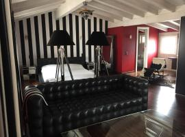 A picture of the hotel: Le Suite al Lago