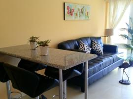 Hotel photo: Bahamas, Nassau - 2 Bed Apartment Near Beach & Downtown, 24 hr Security