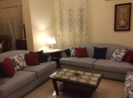 Hotel photo: light cheerful apartment in spot area