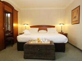 Hotel near Párizs