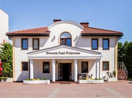 A picture of the hotel: Dworek Pani Walewska