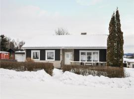 Hotel photo: Three-Bedroom Holiday Home in Sunne