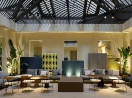 Hotel Photo: ICON Embassy by Petit Palace