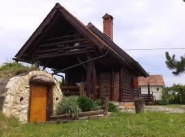 Foto di Hotel: Drvena kućica