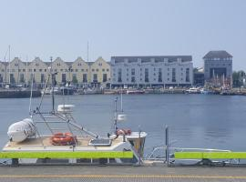 """A picture of the hotel: """"Ce Na Mara"""" Dock Harbour"""