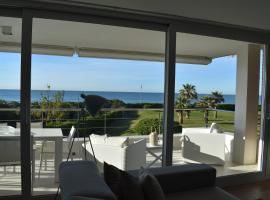 A picture of the hotel: Luxurious Apartment In Front Of The Beach Gava Mar