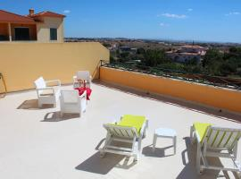 Hotel photo: Cascais /sunny countryside apartment with pool
