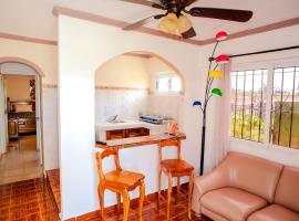 Hotel photo: Adorable Minimalist Flat, just steps from the Beach