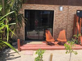 Hotel fotografie: Beachfront Unit 2 - The Club at Caye Caulker