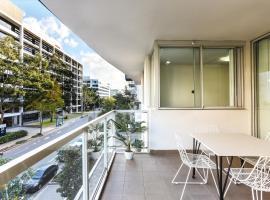 รูปภาพของโรงแรม: Luxury 2 Bed Room Apartment Close to Airport/CBD/Train(豪華精裝公寓近市中心和機場)