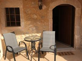 Hotel photo: Nivritos Traditional Homes