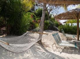 A picture of the hotel: Caribbean Beachfront Condo, St Thomas USVI Cowpet Beach West